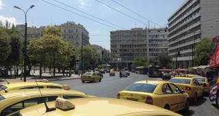 Nearby Syntagma Square, from file. (Image: Athenswalk.)