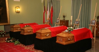 Coffins of some of the victims at the Presidential Palace in Warsaw, photographed days after the crash. (Image: Chancellery of the President of the Republic of Poland.)