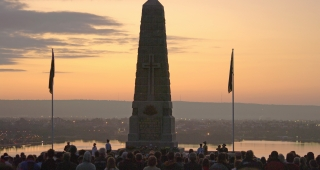 From file, Gallipoli dawn service 2009. (Image: Gnangarra.)