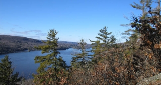 File photo of the Gatineau River. The Quebec Toponomy Commission states Nigger Rapids, a part of the Gatineau River, is to be renamed. (Image: Nickclose.)
