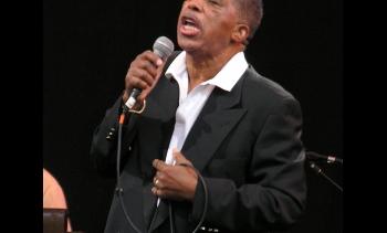 Ben E. King in 2007. (Image: annulla.)