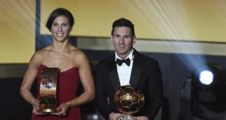 Lionel Messi with Carli Lloyd at the FIFA Ballon d'Or Gala yesterday. (Image: Marcelo Brandão/ABr.)