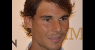 "lt="""" src=""//upload.wikimedia.org/wikipedia/commons/thumb/2/2f/Rafael_Nadal_January_2015.jpg/220px-Rafael_Nadal_January_2015.jpg"" width=""220"" height=""252"" class=""thumbimage"" srcset=""//upload.wikimedia.org/wikipedia/commons/thumb/2/2f/Rafael_Nadal_January_"
